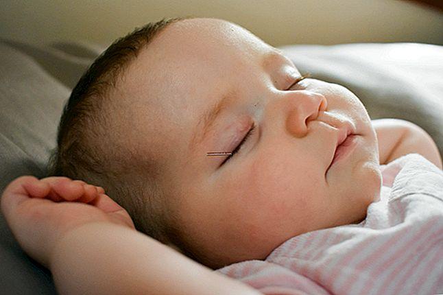 Maak kennis met 7 tips om uw baby beter te laten slapen